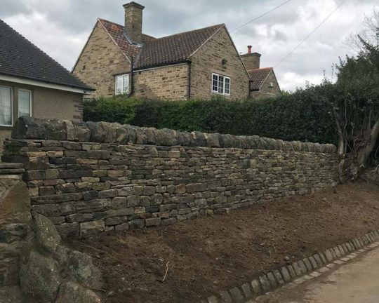 garden-retaining-wall-woolley-finished
